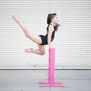 Stretch-Ladders-dancer-in-air